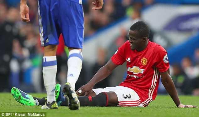 Tham bai truoc Chelsea, Man Utd thiet don thiet kep hinh anh 1