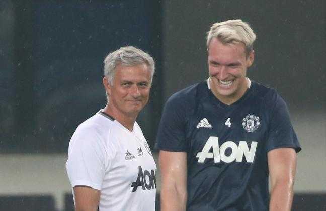 Man Utd doi dau Fenerbahce: Mourinho chuan bi hoan hao hinh anh 3