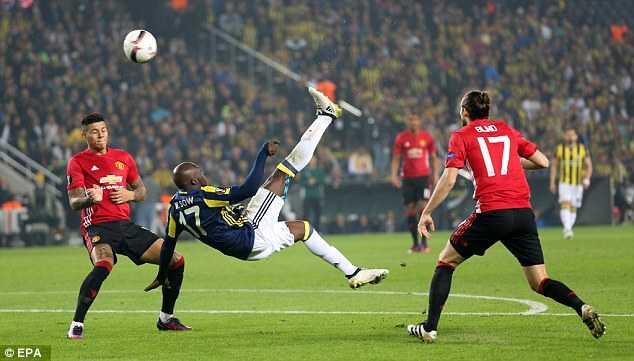 Jose Mourinho chi trich hoc tro tham te sau that bai hinh anh 2