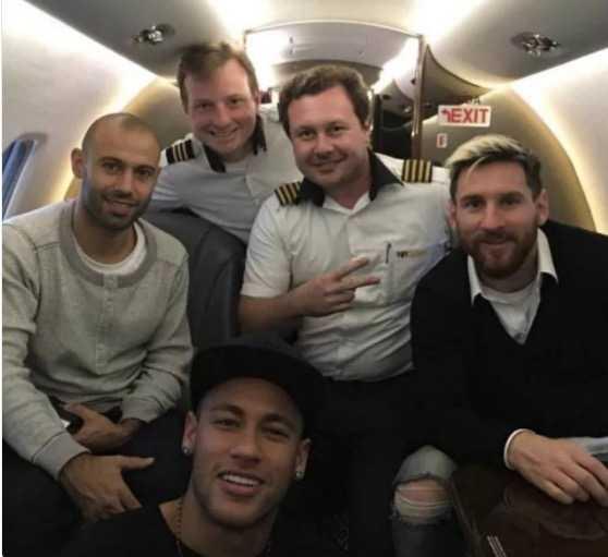 Truoc dai chien, Neymar, Messi than mat nhu nguoi nha hinh anh 1