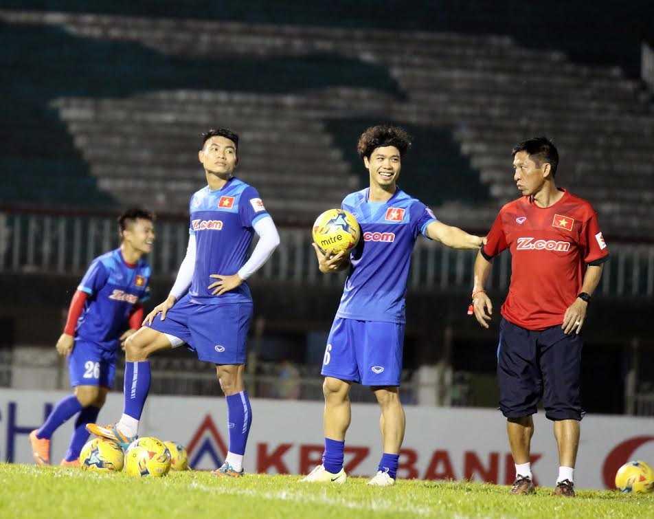 "Tai sao Cong Phuong chi xung ""van canh"" o AFF Cup 2016? hinh anh 1"