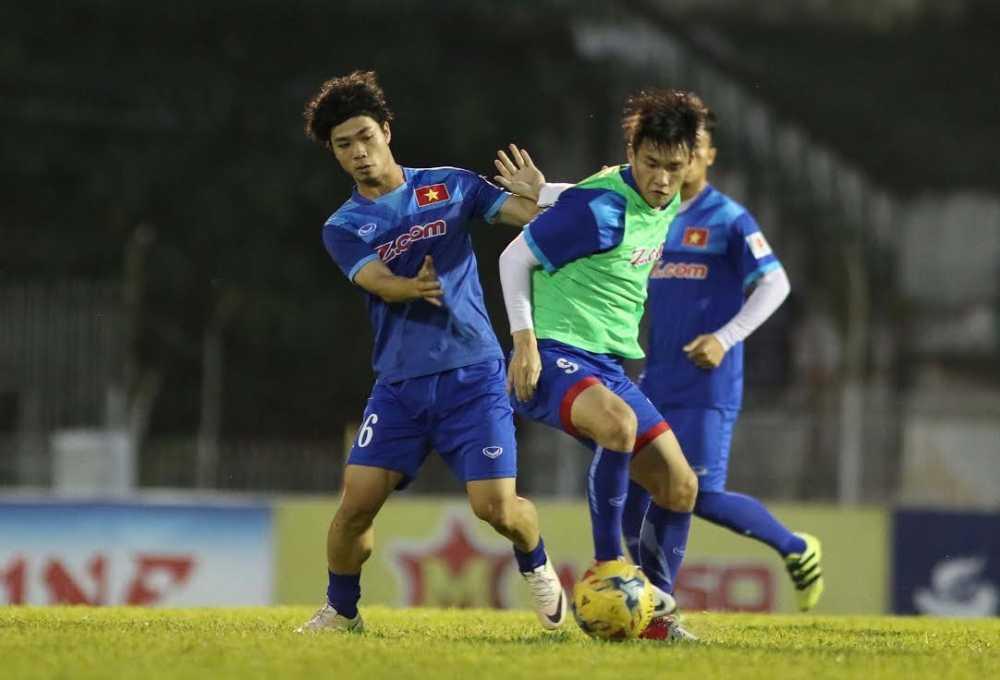 "Tai sao Cong Phuong chi xung ""van canh"" o AFF Cup 2016? hinh anh 2"