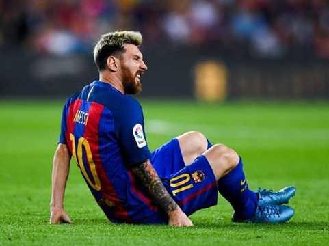 Bat luc voi Man Utd, Mourinho nham Leo Messi ve linh xuong hang cong hinh anh 2