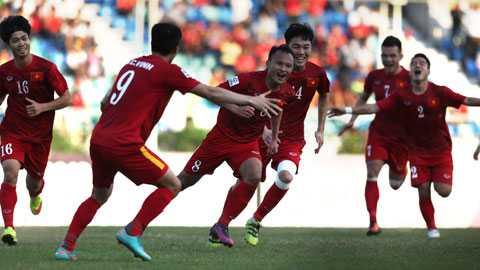 Doi hinh tieu bieu vong bang AFF Cup 2016: Cong Vinh vang mat, Que Ngoc Hai co ten hinh anh 1