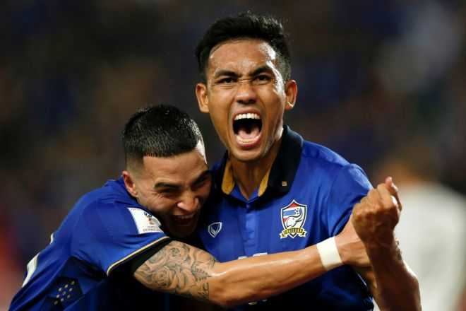 Thai Lan thang de Myanmar, tien gan chung ket AFF Cup 2016 hinh anh 3