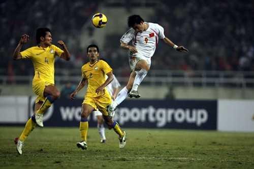 Tan binh V-League CLB TP.HCM: Cho cuoc 'cach mang' cua pho chu tich Le Cong Vinh hinh anh 1