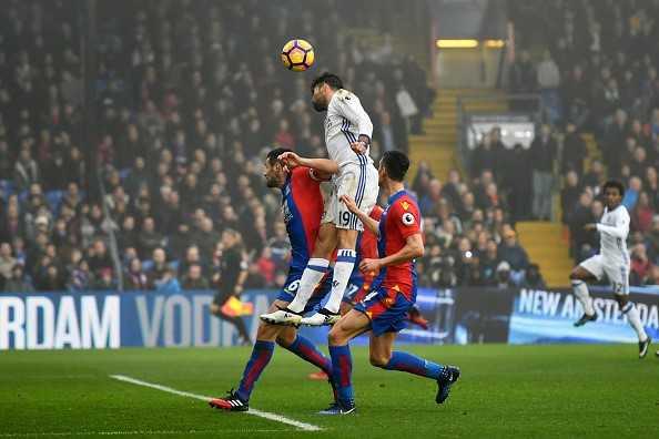 Diego Costa toa sang, Chelsea thang tran thu 11 lien tiep hinh anh 1