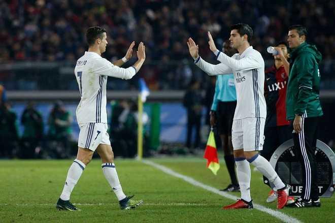 FIFA Club World Cup 2016: Qua bong vang lan 2 cho Ronaldo hinh anh 4