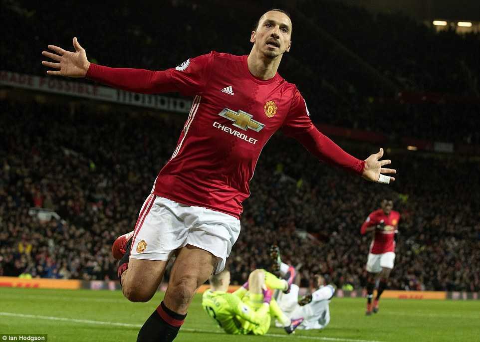 Ibrahimovic ruc sang, Man Utd danh bai Sunderland hinh anh 2