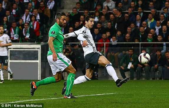 Thi dau thieu nguoi, Man Utd van nhe nhang thang St.Etienne hinh anh 1