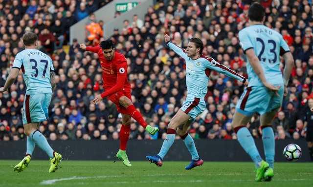 Nhoc nhan vuot Burnley, Liverpool vung chan trong top 4 hinh anh 2