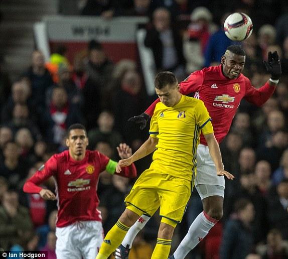 Man Utd ap sat top 4: Mourinho thanh cong nho y tuong cua Van Gaal? hinh anh 2