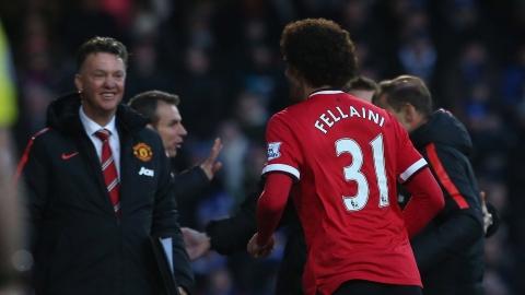 Man Utd ap sat top 4: Mourinho thanh cong nho y tuong cua Van Gaal? hinh anh 3