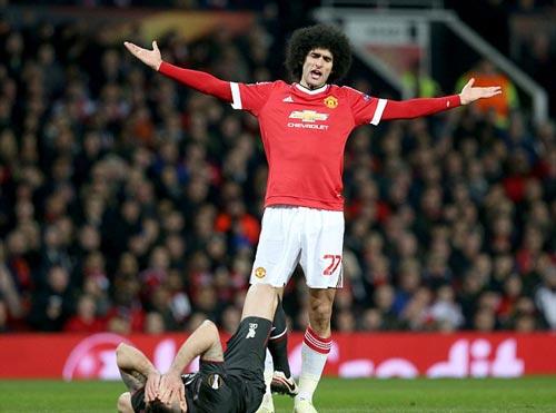 Fellaini at Pogba: Cau chuyen kieu toc va phong do hinh anh 6