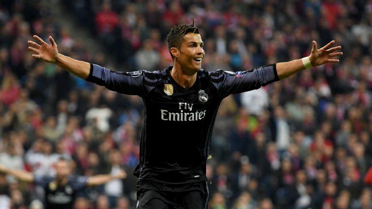 Ronaldo ghi 100 ban o Champions League: Huyen thoai CR100 ra doi hinh anh 1