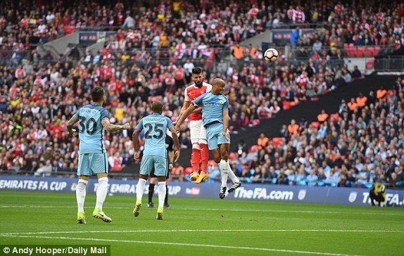 Video ket qua Arsenal vs Man City: Thang hiep phu, Arsenal vao chung ket gap Chelsea hinh anh 1