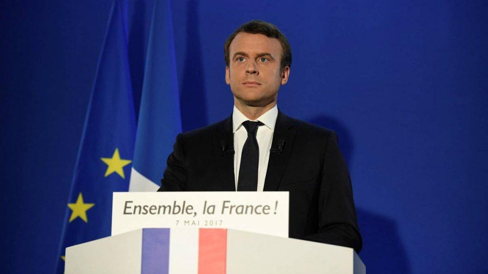 Tong thong Phap Emmanuel Macron tung la cau thu bong da hinh anh 2