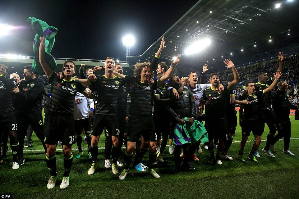 Chelsea vo dich Ngoai hang Anh: Ky tich lich su cua Conte hinh anh 3