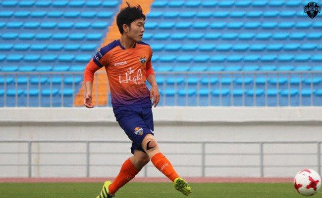 Xuan Truong xin loi vi lo hen voi U20 Viet Nam hinh anh 1