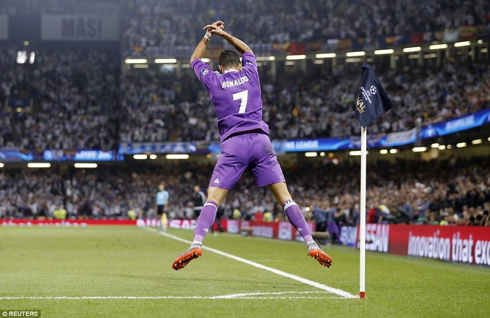 Anh: Real Madrid pha loi nguyen, kieu hanh vo dich Champions League hinh anh 3