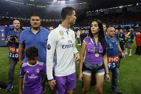 Anh: Georgina Rodriguez la nguoi tinh dac biet nhat cua Ronaldo hinh anh 8