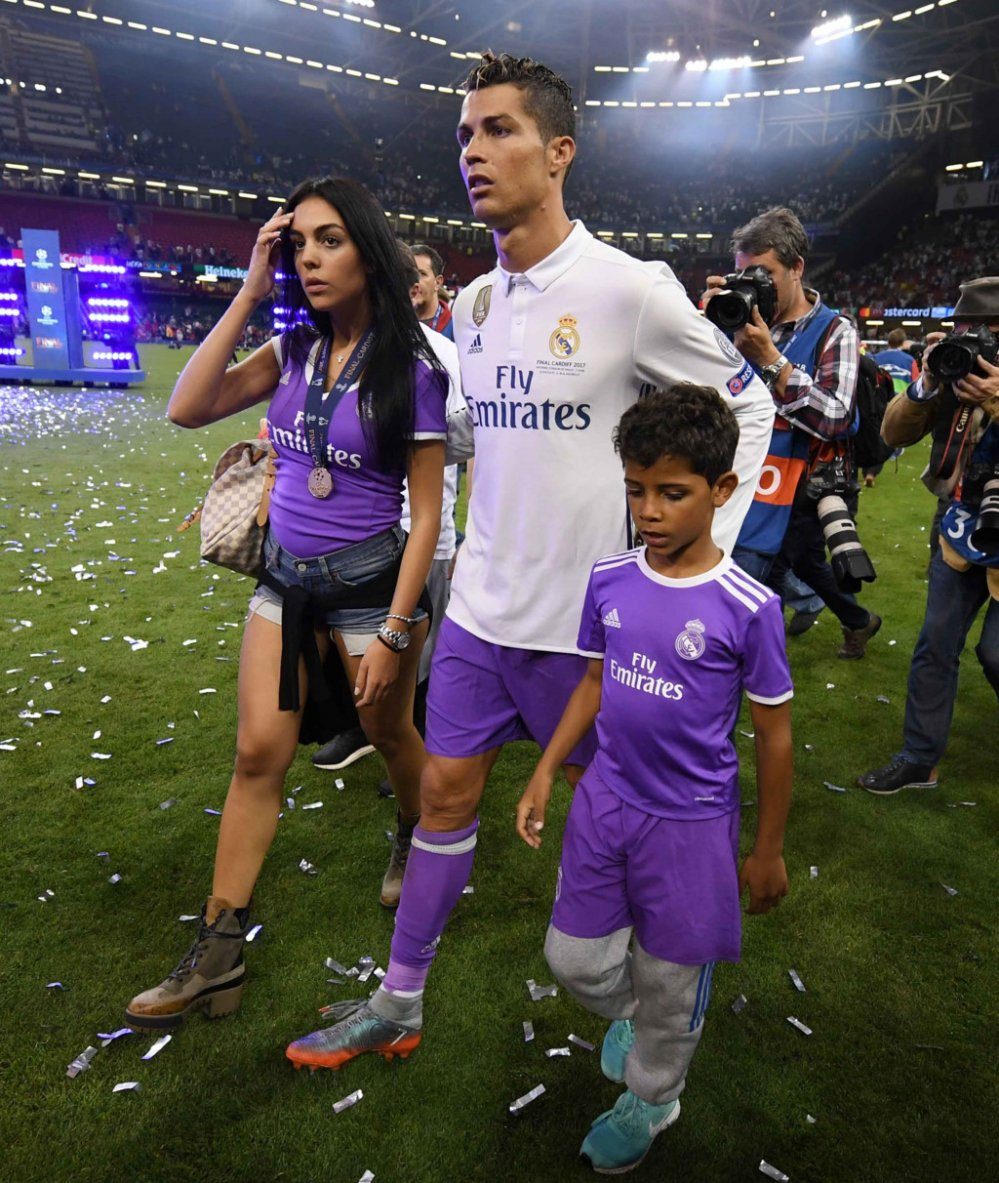 Anh: Georgina Rodriguez la nguoi tinh dac biet nhat cua Ronaldo hinh anh 4