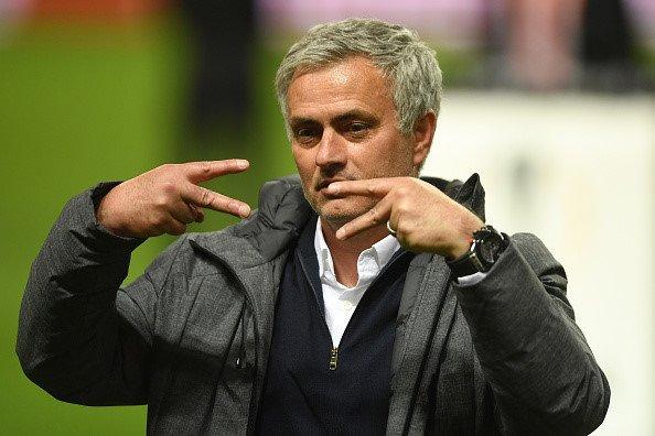 Tin chuyen nhuong 21/7: Chicharito ve West Ham, MU can nhac ngung mua sam hinh anh 3
