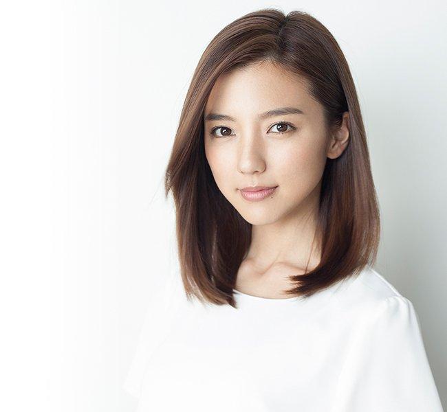 Erina Mano - nhan sac danh guc trai tim tuyen thu Nhat Gaku Shibasaki hinh anh 8