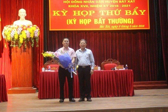 Con trai duoc bo nhiem pho chu tich huyen, Bi thu Lao Cai: 'Khong co nhan nhuong nao' hinh anh 1