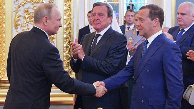 Tong thong Putin de cu ong Medvedev vao vi tri Thu tuong Nga hinh anh 1