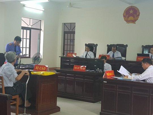 An treo cho bi cao au dam Nguyen Khac Thuy: De nghi huy ban an, xet xu lai tu dau hinh anh 1