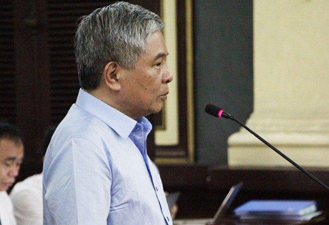 Nguyen Pho thong doc Ngan hang Nha nuoc noi gi truoc toa? hinh anh 1