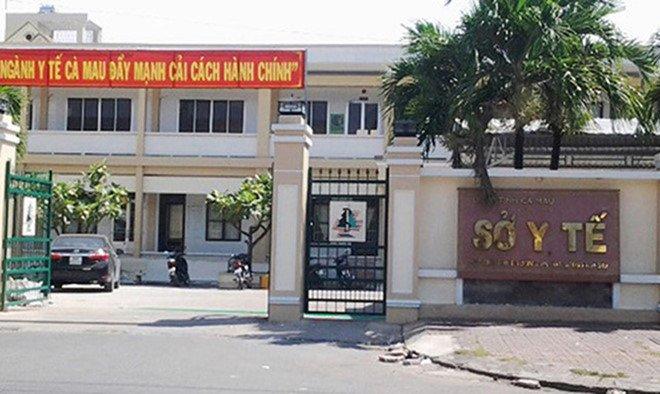 Nguyen Giam doc So Y te Ca Mau tiep tuc bi cảnh cáo hinh anh 2