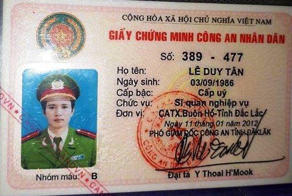 De nghi tuoc quan tich thuong uy cam chung minh cong an nhan dan vay 300 trieu dong hinh anh 1