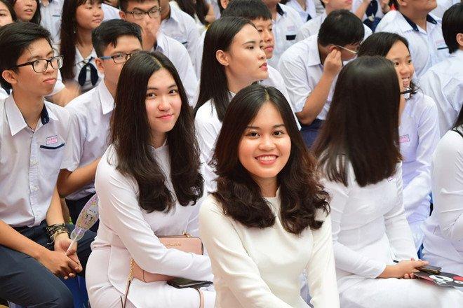 Bo SGK rieng cua TP.HCM khong chi dung cho hoc sinh thanh pho hinh anh 1