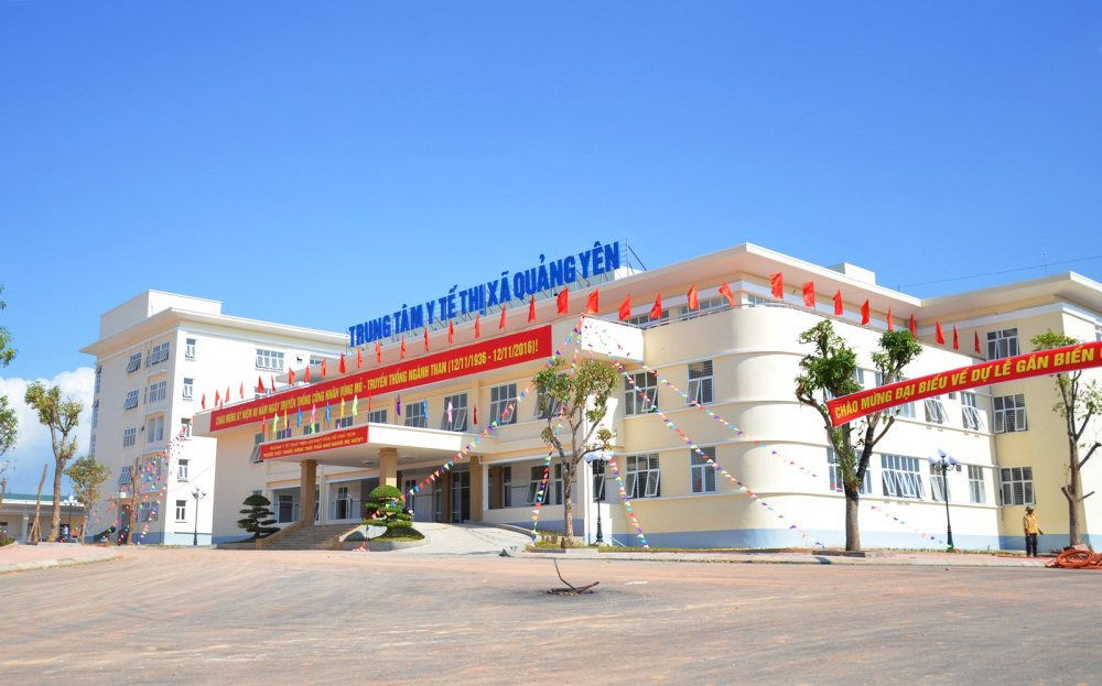 Tre so sinh 2 ngay tuoi tu vong sau khi tiem vac xin: So Y te Quang Ninh len tieng hinh anh 2