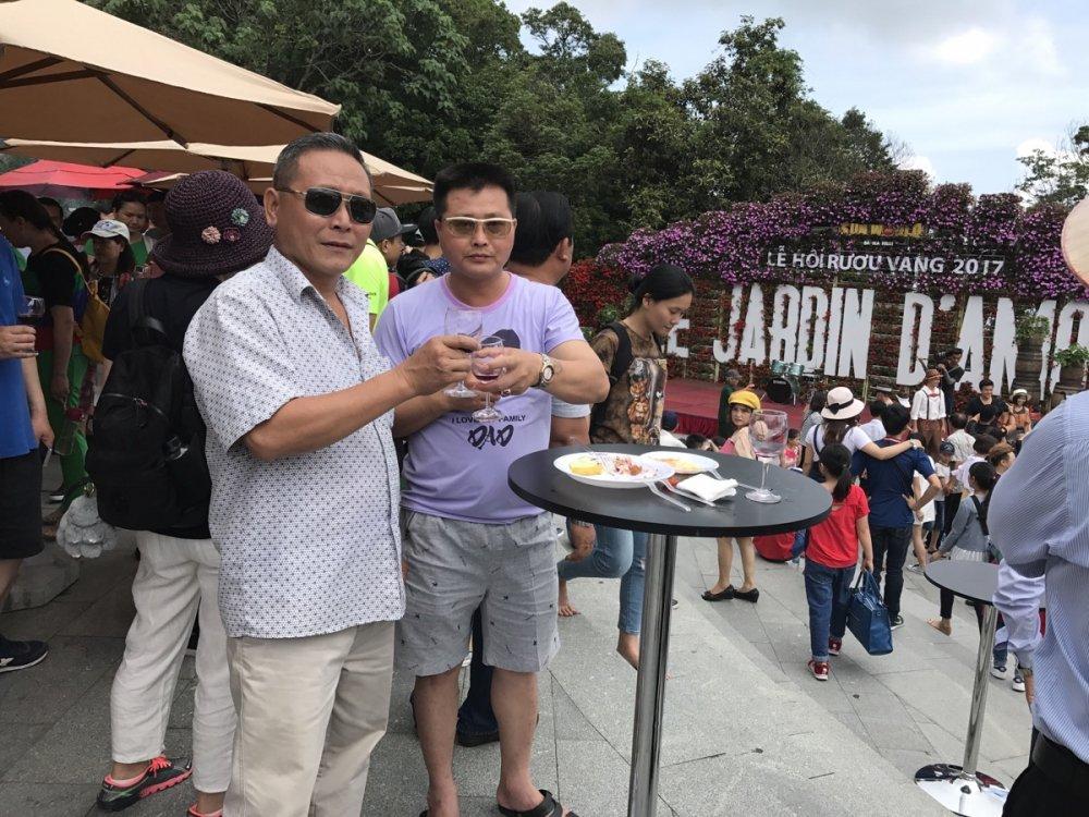 Nhung trai nghiem ly thu chi co tai Le hoi ruou vang Ba Na Hills 2017 hinh anh 7