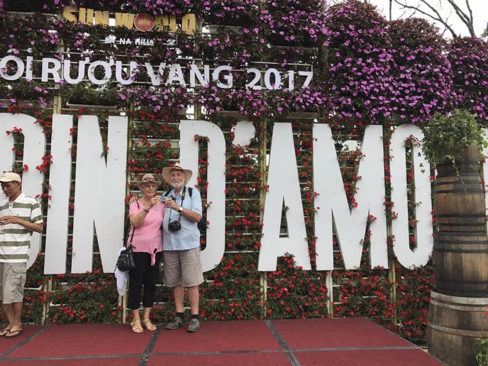 Nhung trai nghiem ly thu chi co tai Le hoi ruou vang Ba Na Hills 2017 hinh anh 8
