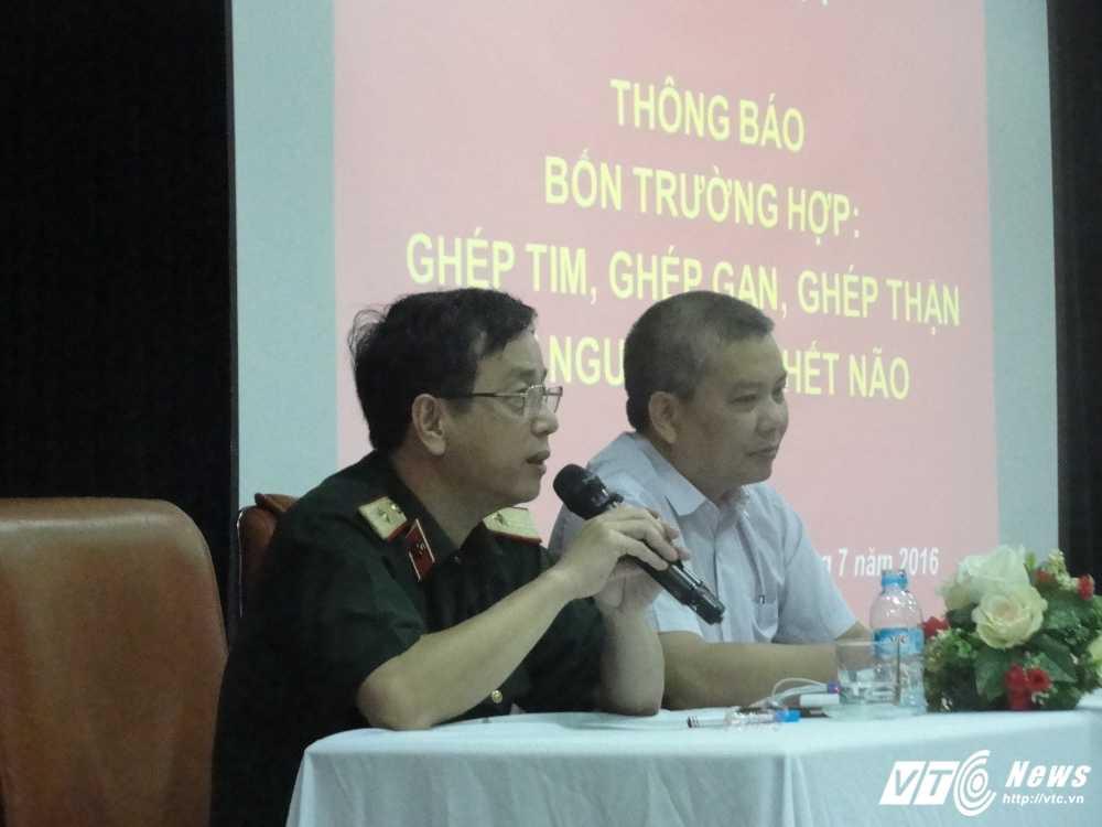 4 ca ghep tang mot dem: Tim, gan khong 'vua' nguoi nhan, giao su 'ban tay vang' xu ly the nao? hinh anh 3