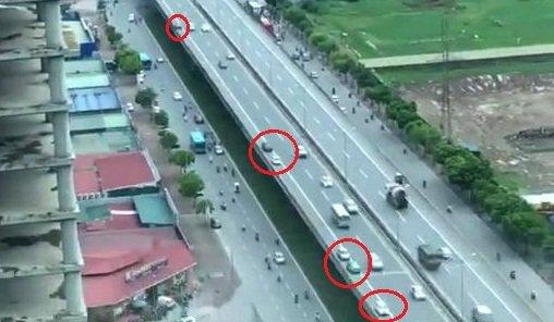 Video canh rung ron tren Vanh dai 3: Hang loat lai xe bat chap cai chet, noi duoi chay nguoc chieu hinh anh 1