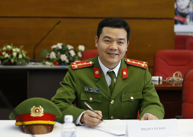 Thanh tich gay 'choang' cua 10 guong mat tre Viet Nam tieu bieu 2017 hinh anh 4