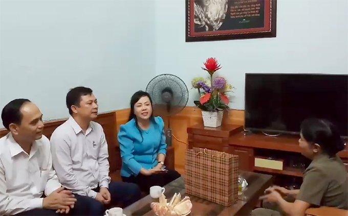 bo-truong-tien-hat-nguoi-con-gai-song-la