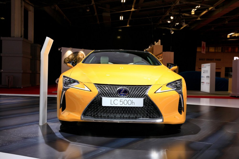 a634b27e-2019-lexus-lc-limited-edition-paris-livepics-1 7