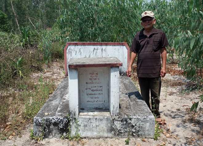 Bi an quanh ngoi mo thu phi vua Quang Trung trong rung Cam hinh anh 1
