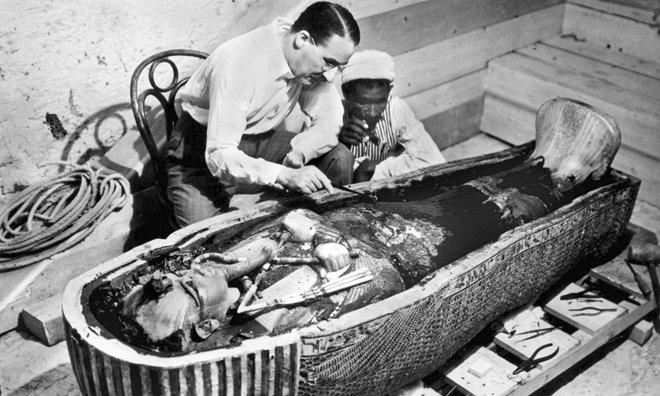 Bi an chet choc kinh hoang lien quan den loi nguyen cua Tutankhamun? hinh anh 3