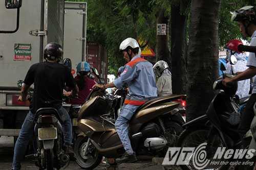 Anh: Tac duong hang chuc km tren 'con duong cat bui' khung khiep bac nhat Hai Phong hinh anh 15