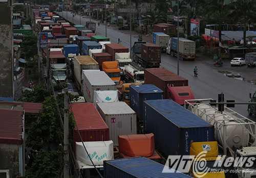 Anh: Tac duong hang chuc km tren 'con duong cat bui' khung khiep bac nhat Hai Phong hinh anh 13