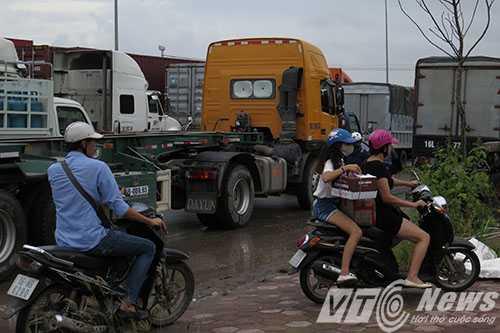 Anh: Tac duong hang chuc km tren 'con duong cat bui' khung khiep bac nhat Hai Phong hinh anh 12