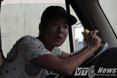 Anh: Tac duong hang chuc km tren 'con duong cat bui' khung khiep bac nhat Hai Phong hinh anh 2