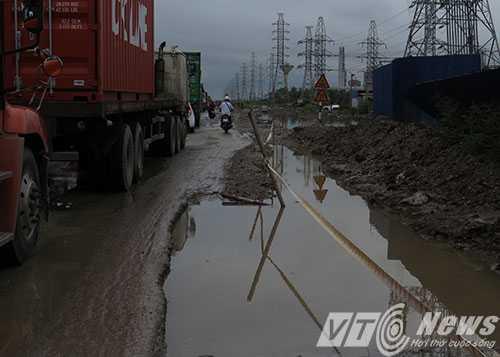 Anh: Tac duong hang chuc km tren 'con duong cat bui' khung khiep bac nhat Hai Phong hinh anh 4